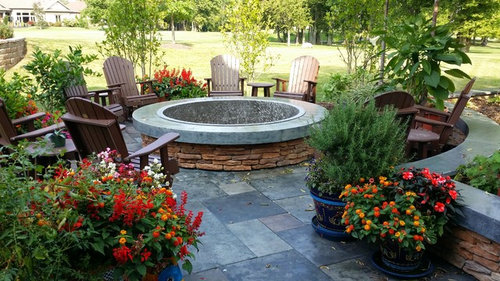 Outdoor Fireplace Vs Fire Pit Which Would You Choose