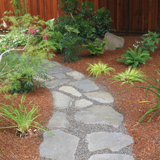 Traditional Landscape by Laura Frost Design