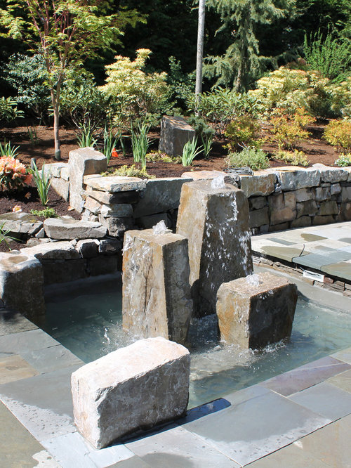 Inspiration For A Contemporary Water Fountain Landscape In Seattle.