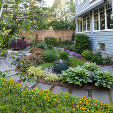 Traditional Landscape by Minglewood Designs