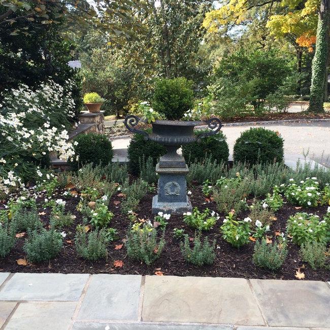 Russell combs design richmond va landscape architects for Garden design richmond va