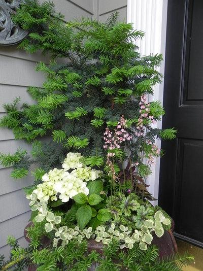 Фьюжн Сад by Sublime Garden Design, LLC