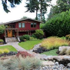 Craftsman Landscape by Bliss Garden Design