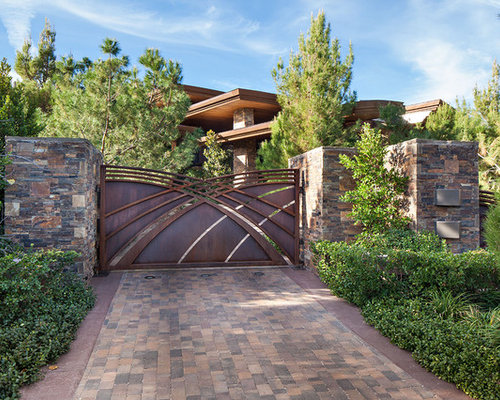 Grille gate home design ideas pictures remodel and decor for Home gate architecture
