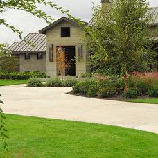 Farmhouse Landscape by Westfall Design Studio