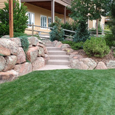 Contemporary Landscape by Sierra Enterprises, Inc.