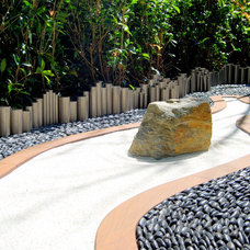 Contemporary Landscape by Zeterre Landscape Architecture