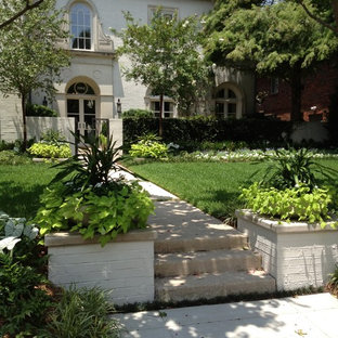 Design ideas for a mediterranean front yard landscaping in Dallas.