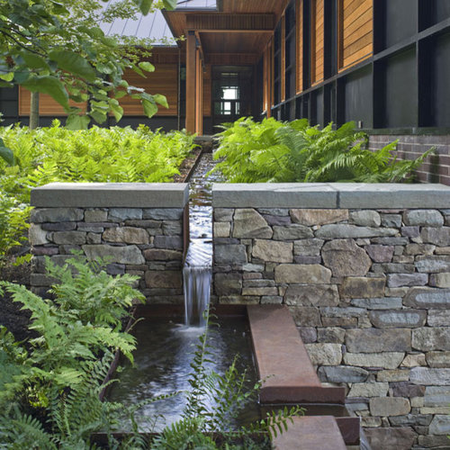 Modern Landscape: Contemporary Quaker Smith Point