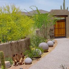 Contemporary Landscape by Desert Crest, LLC