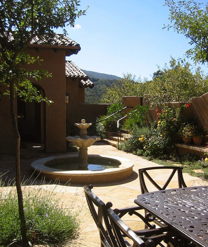 Mediterranean Landscape by Arterra Landscape Architects