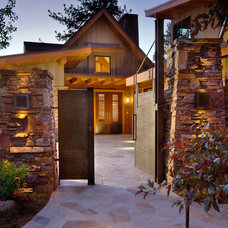 Rustic Entry by Ward-Young Architecture & Planning - Truckee, CA