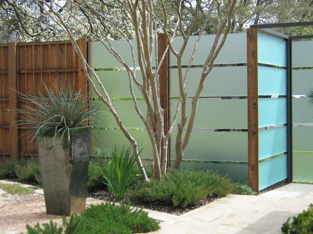 Contemporáneo Jardín by Tim Cuppett Architects