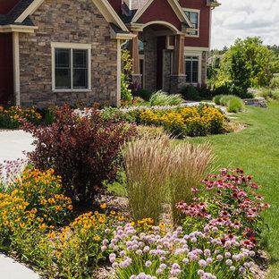 Craftsman Front Yard Landscape - Grafton