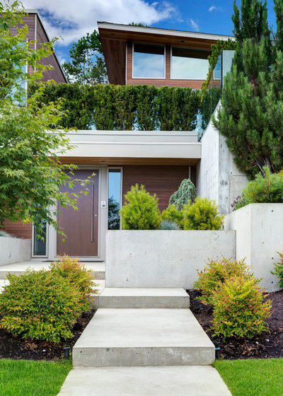 Contemporary Landscape by Garret Cord Werner Architects & Interior Designers