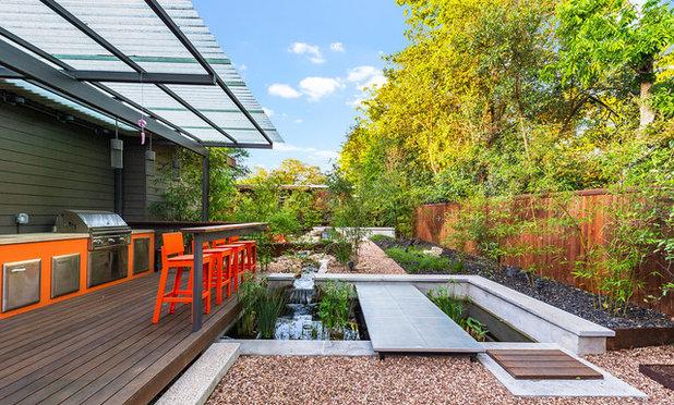 Contemporary Garden by austin outdoor design