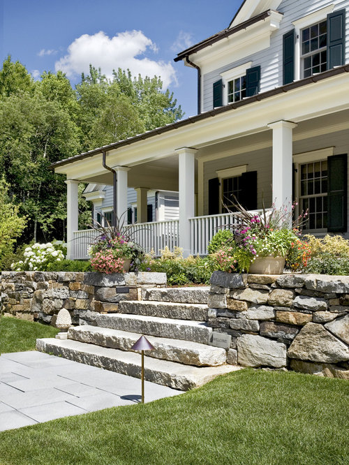 Design ideas for a farmhouse front yard landscaping in New York.