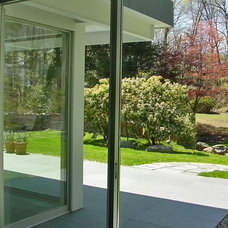 Modern Landscape by Roger Hirsch Architect