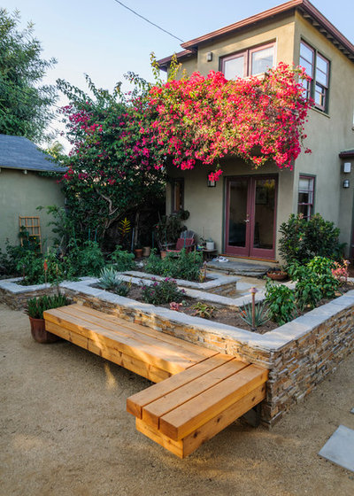 Traditional Garden by BE Landscape Design