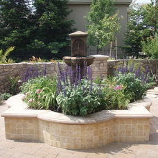 Traditional Landscape by Paver Pro