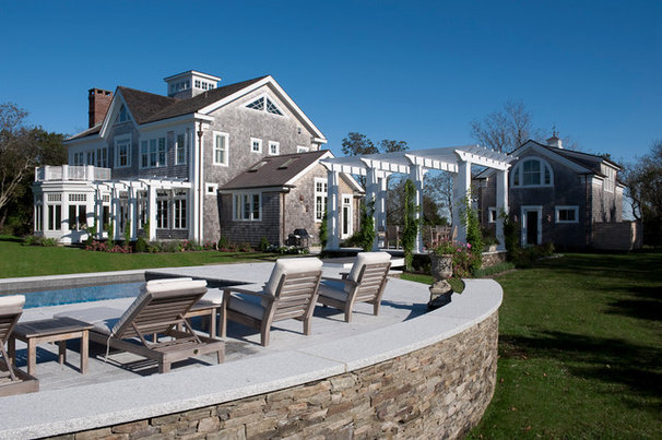 Traditional Landscape by Foley Fiore Architecture