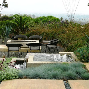Photo of a contemporary water fountain landscape in San Diego.