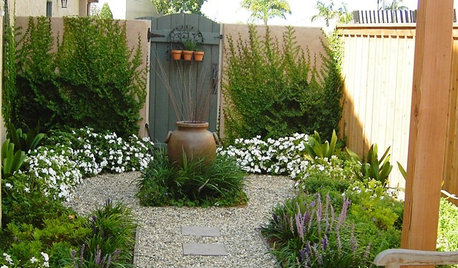 How to Turn a Side Yard Into a Glorious Garden Room