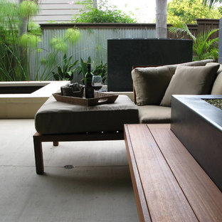 This is an example of a contemporary landscaping in San Diego.