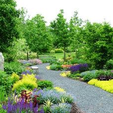 Farmhouse Landscape by Jerry Fritz Garden Design