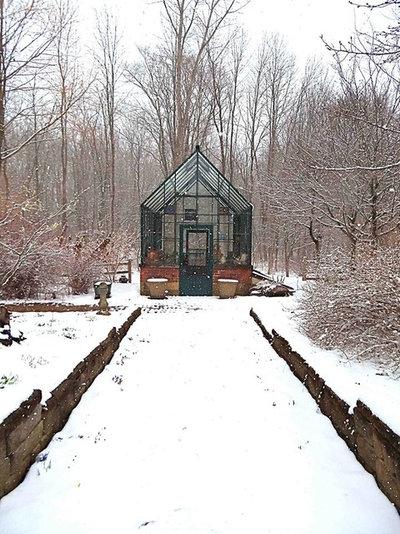 Современный Сад by BC Greenhouse Builders Ltd