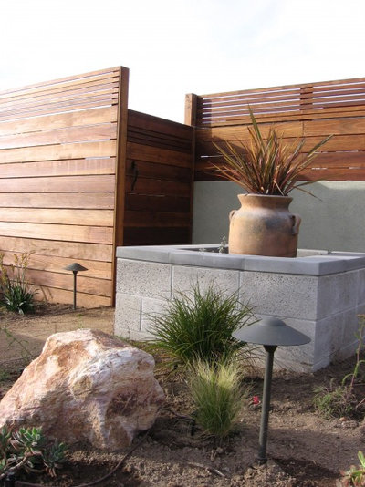modern fencing for a more secure home - Secure Home Design