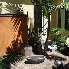 Asian Landscape by BlueGreen Landscape Design
