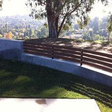 Traditional Landscape by LA-Decks and Construction