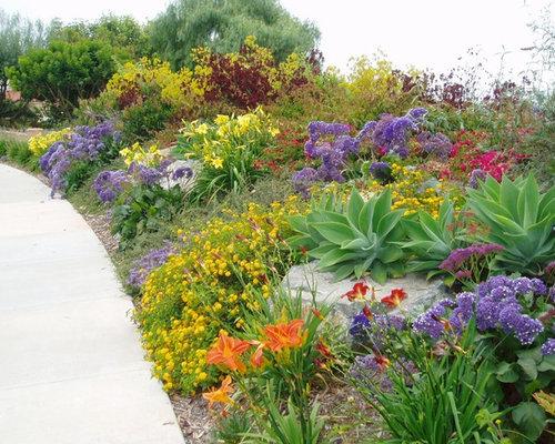 Mediterranean Garden Design Ideas, Renovations & Photos