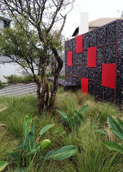 Modern Landscape by Badec Bros (Pty)Ltd