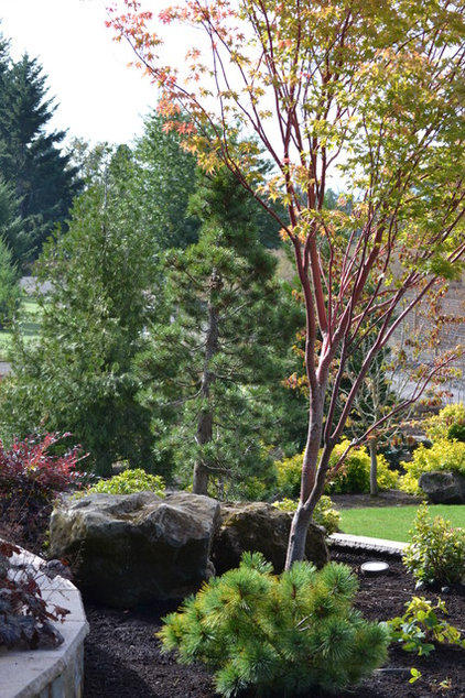 Contemporary Landscape by All Oregon Landscaping