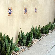 Mediterranean Landscape by Living Gardens Landscape Design