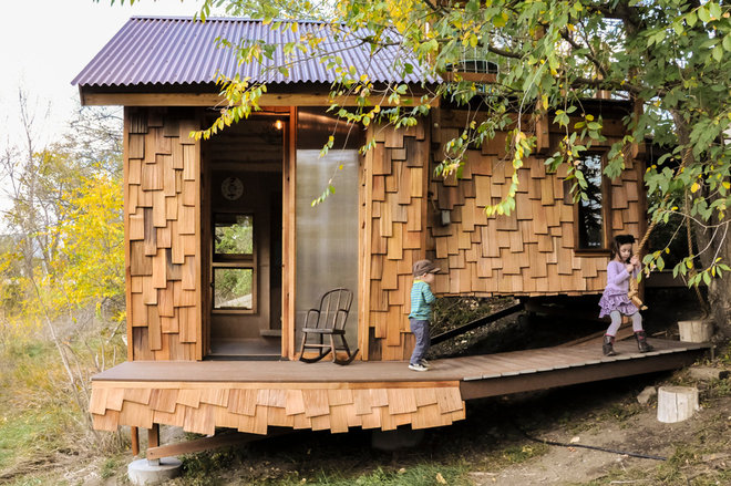 Eclectic Landscape by Bldg Seed Architects