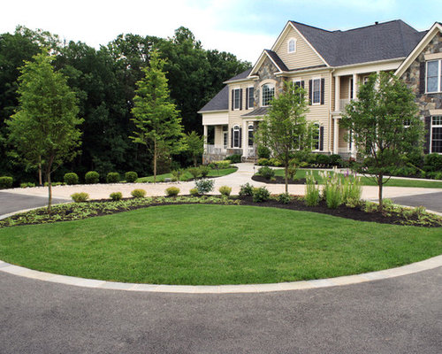 Circle driveway houzz for House plans with circular driveway