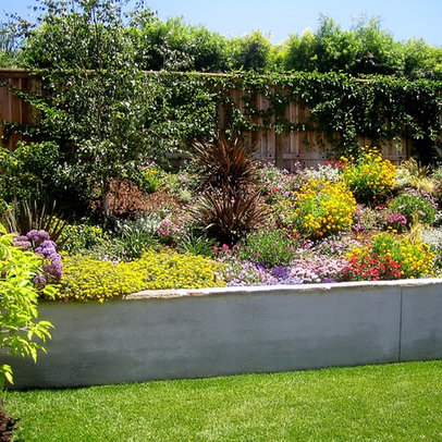 Very small yard landscaping ideas for Landscape design small backyard