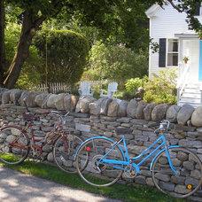 Traditional Landscape by Green Island Stonework, LLC