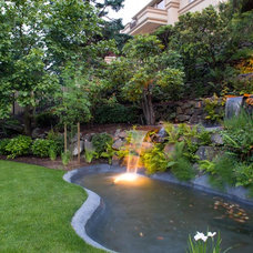 Contemporary Landscape by Dyna Contracting