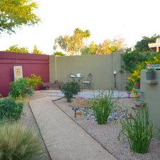 Eclectic Landscape by Rocket Garden Landscape Design