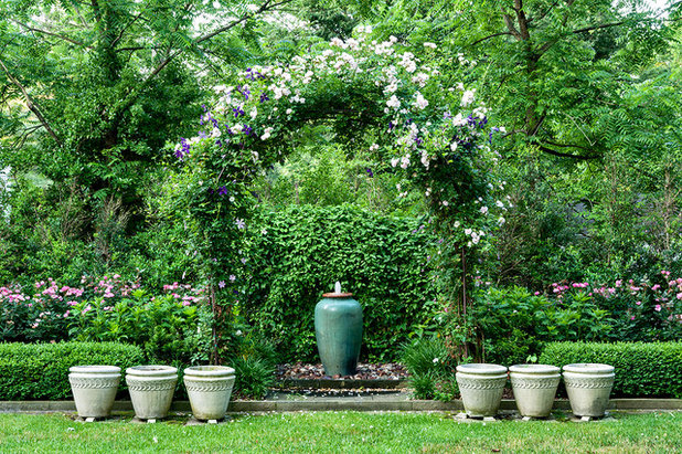 Traditional Garden by Garden Gate Landscaping, Inc