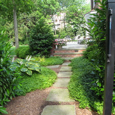 Traditional Landscape by edgewater design llc