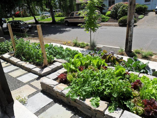 Craftsman Garden by Plan-it Earth Design