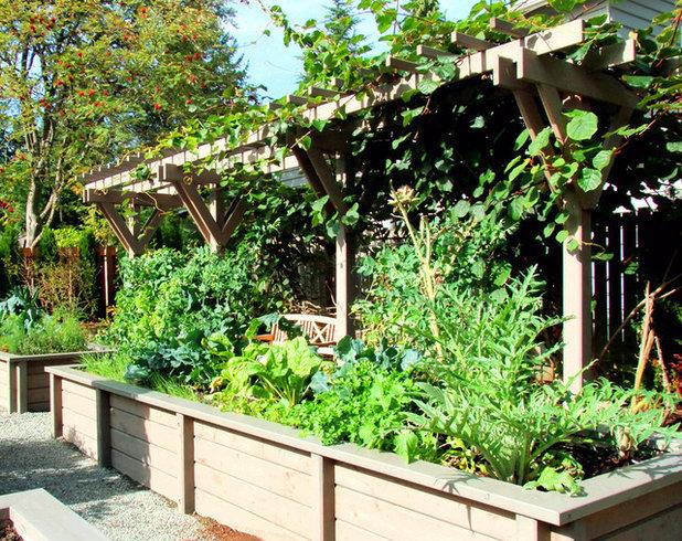 Классический Сад by ANR Landscape Design, LLC