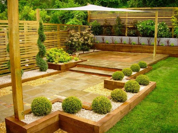 Traditional Landscape Eggs garden