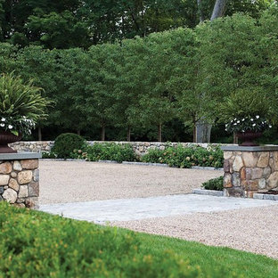 Inspiration for a large traditional full sun front yard gravel landscaping in New York for spring.