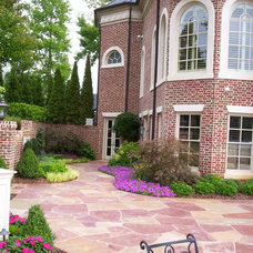 Traditional Landscape by Douglas C Lynn, LLC Landscape Architecture